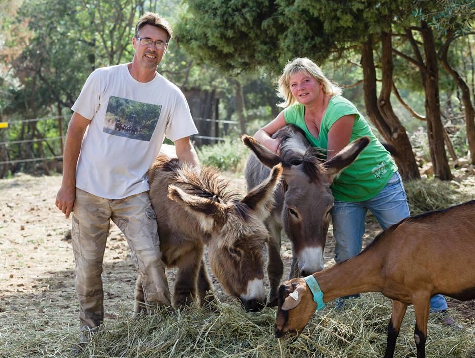 La Chèvrerie du bois d'Amon propose des savons artisanaux fabriqués par Edith et Pascal dans leur ferme de Saint-Cézaire sur Siagne - Artisans BeeShary
