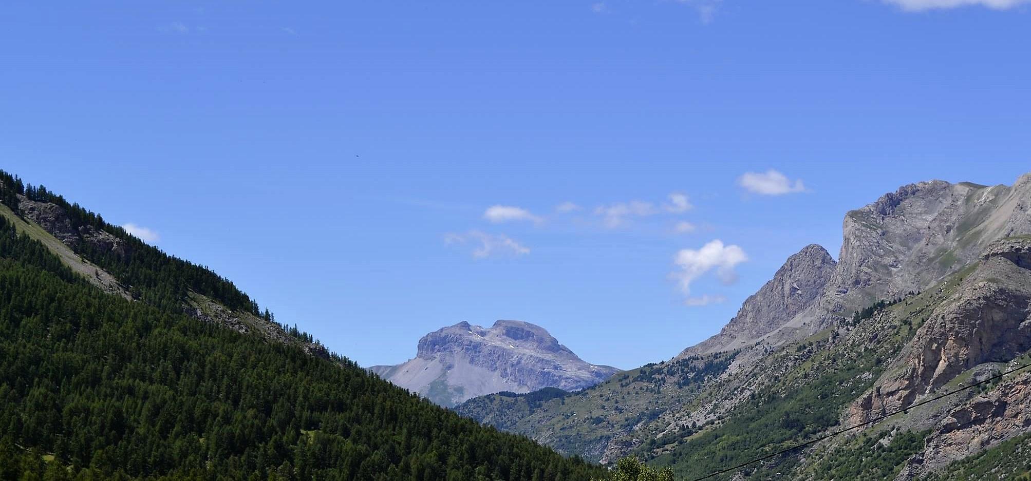 Un guide de montagne vous emmener dans la vallée des Merveilles, un espace préservé.